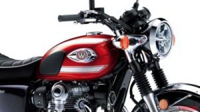 カワサキ「W800」欧州の新色は鮮やかな赤×黒! 次の日本仕様も同カラーを採用か