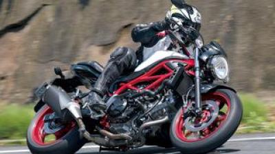 スズキ「SV650」の魅力を解説 足つきがよくて扱いやすい! 安心できて楽しめる大型バイクとしてビギナーにもおすすめ