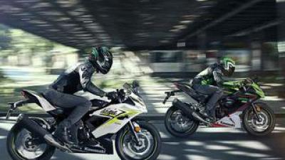カワサキ「Ninja125」「Z125」の2022年モデルが欧州で登場! 上級グレード「Z125 パフォーマンス」も新たに設定