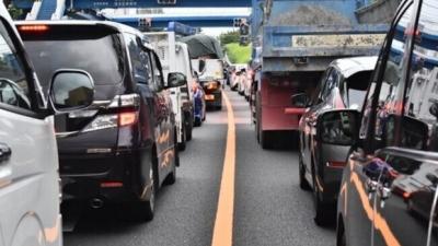 たかが緊急事態宣言解除になった程度で関東はどこ行っても道路大渋滞なんだがなんなの