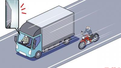 現役トラックドライバーのライダーが語る「事故につながるバイクの危険な動き」とは?