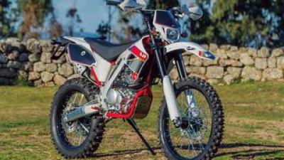 AJP 「PR4 エンデューロ プロ」【1分で読める 2021年に新車で購入可能な250ccバイク紹介】