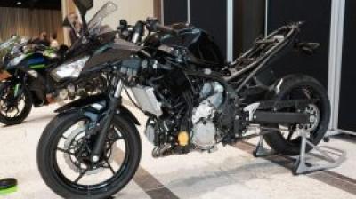 カワサキのハイブリッドバイクは世界初のストロングHEV! 市販を目指して開発中