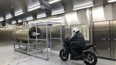 SHOEI、低温降雨風洞設備が完成 -5℃の走行状態・降雨での検証が可能に