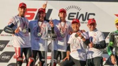 「YOSHIMURA SERT MOTUL」が「FIM世界耐久選手権」でシリーズチャンピオンを獲得