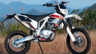 AJP「PR3 エクストリーム 240」【1分で読める 2021年に新車で購入可能な250ccバイク紹介】
