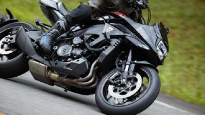 """カタナを峠で走らせたら""""妖刀""""みたいなバイクだった件【新米編集部員の新型KATANA体験レポート③ワインディング編】"""