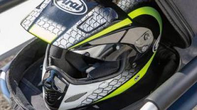 ヘルメットバッグに電動ファンを内蔵した一石二鳥のアイデア商品|サンコー「ヘルメットリフレッシャーバッグ」を紹介