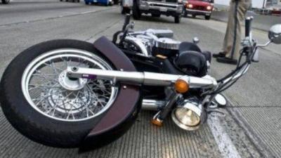 ワイくん、バイクで車と事故るも骨折なし
